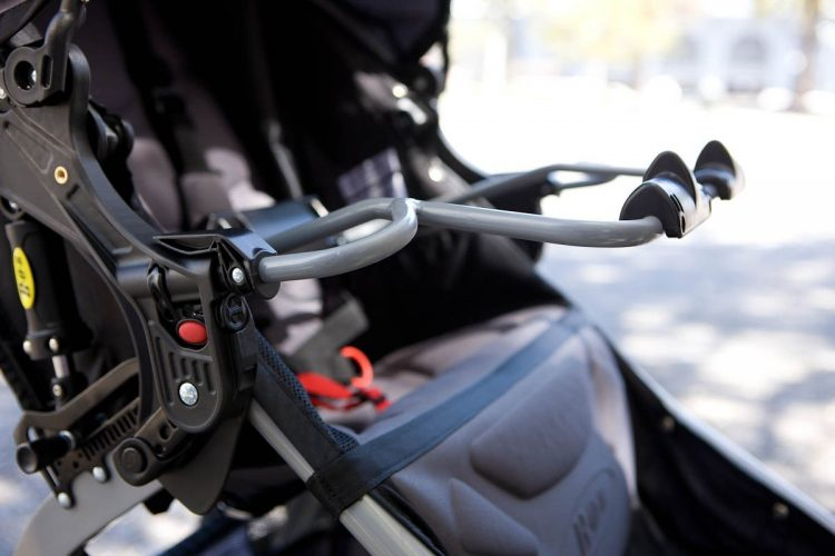 bob-revolution-ce-car-seat-adapter
