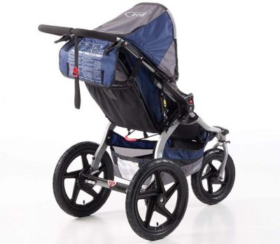 BOB Revolution SE stroller has plenty storage space