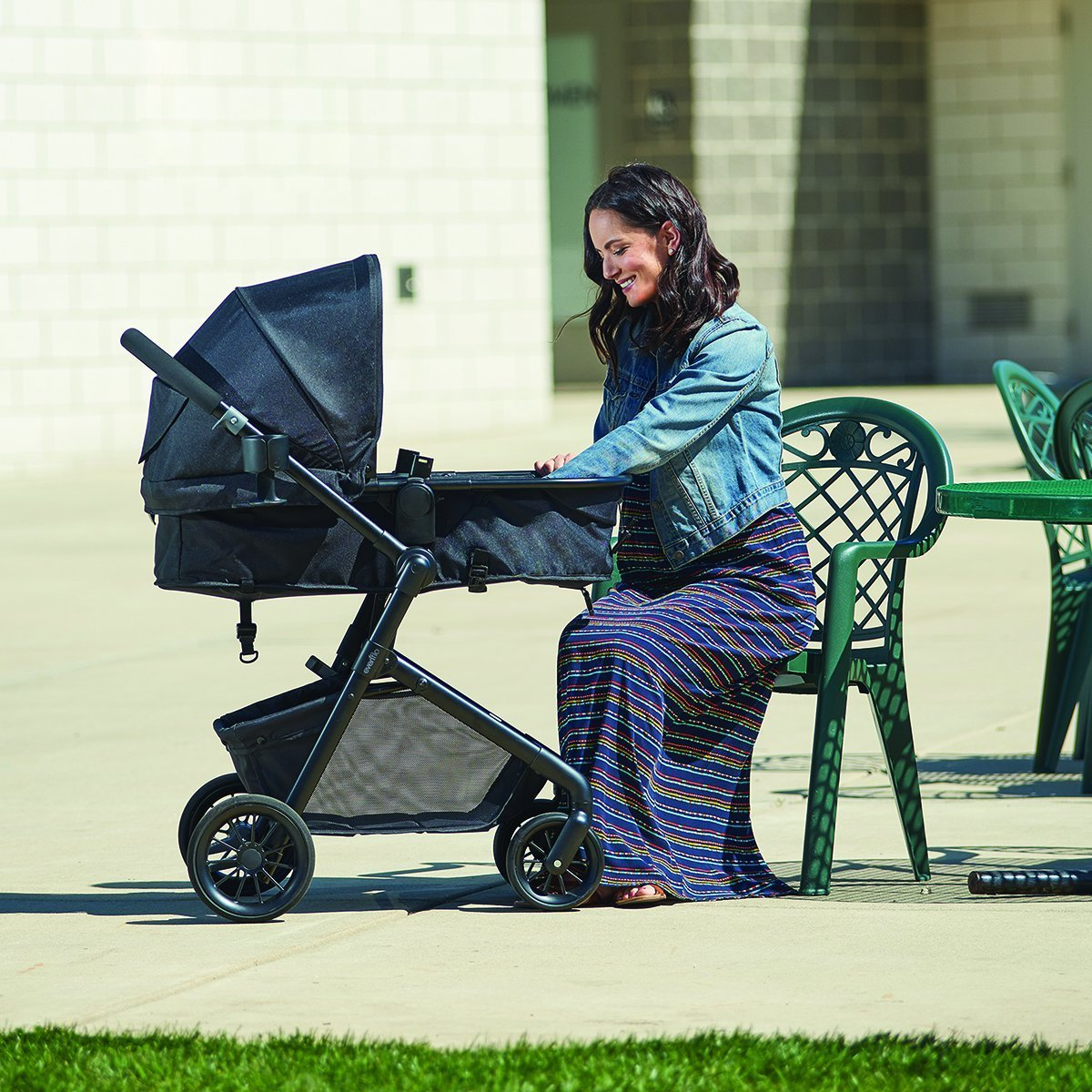 Evenflo Pivot Modular Travel System Bassinet mode