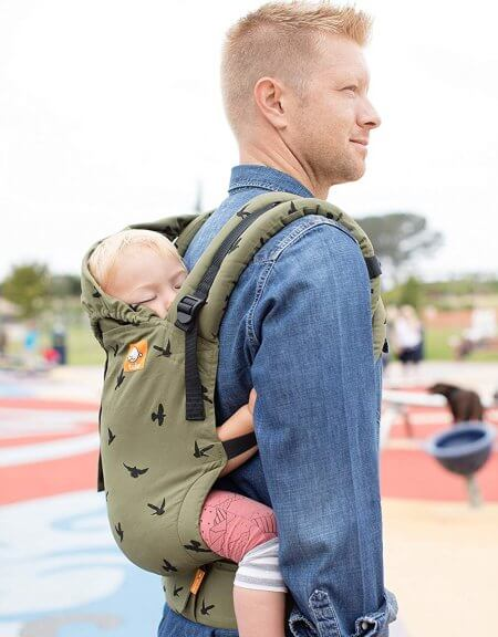 Baby Tula Free-to-Grow offers two positions - you can wear it on your front or back