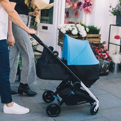 Ergobaby Metro - suitable from birth with Newborn Kit