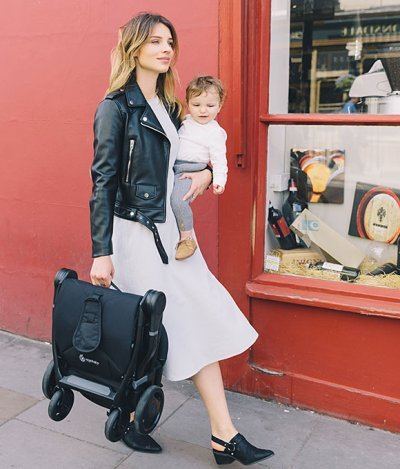 Ergobaby Metro weighs a little under 14 lbs so it's very easy to carry