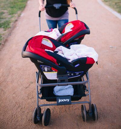 Joovy Twin Roo+ - Car seats can face the same or opposite direction