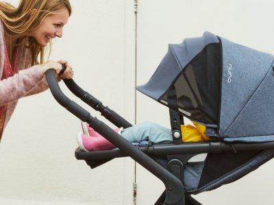 Nuna Demi Grow stroller - reclining seat with big canopy and Dream drape