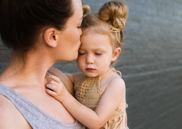 How does oxytocin and dopamine influence mom-baby bonding