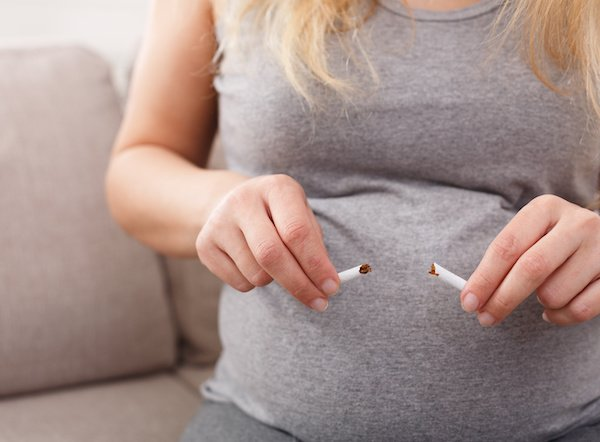 If the expectant mother quits smoking during pregnancy the risk of placental abruption and placenta previa is reduced, compared to those who continue smoking