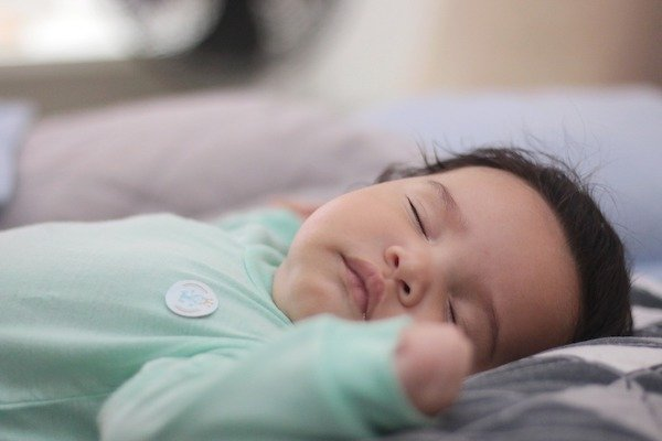 American Academy of Pediatrics recommends that babies should sleep on their back