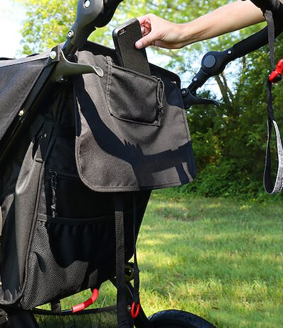 BOB Revolution FLEX 3.0 has 3 additional pockets which may even serve you as a parent organizer