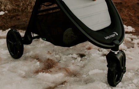 Baby Jogger City Mini GT2 has improves suspension and handles almost all types of terrain