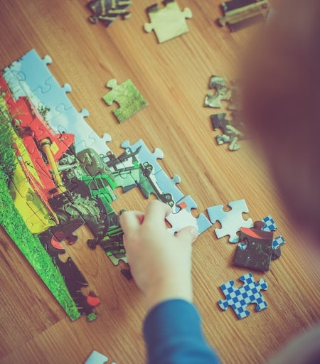 Jigsaw puzzles for kids - training for logical thinking and problem-solving for toddlers. As the child gets older you can use jigsaw puzzles with more elements