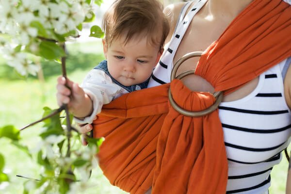 Using baby carrier during summer holidays