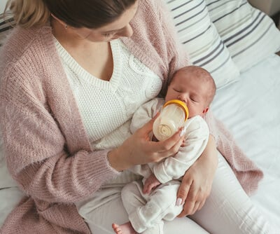 Introduce the bottle when the breastfeeding is established, around 3-6 weeks