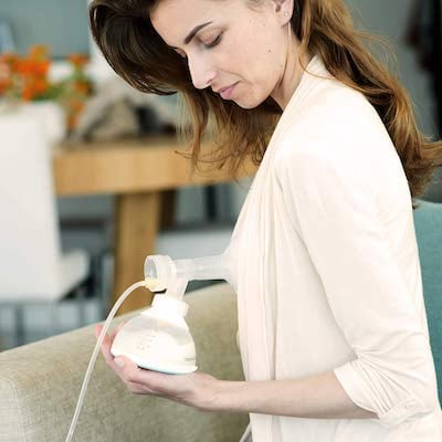 Nanobebe connected with breast pump thanks to special adapter