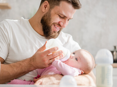 Ask someone else to offer the bottle. Baby may associate mom with eating and may not accept any substitute when he/she sees and smells mom