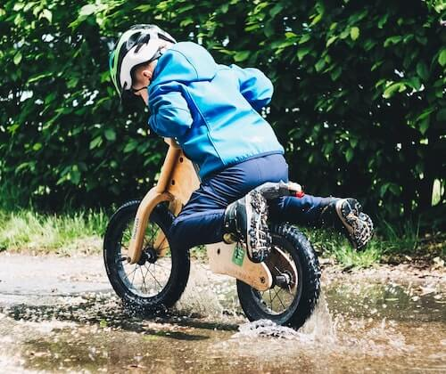 How do you transition from balance bike to pedals?