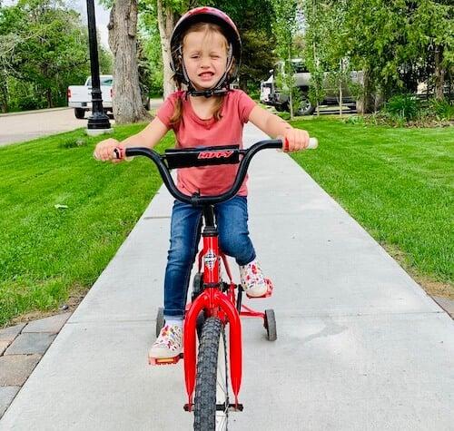 why balance bike is better than training wheels