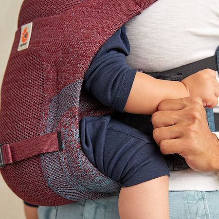 Ergobaby Aerloom - made of light and breathable fabric